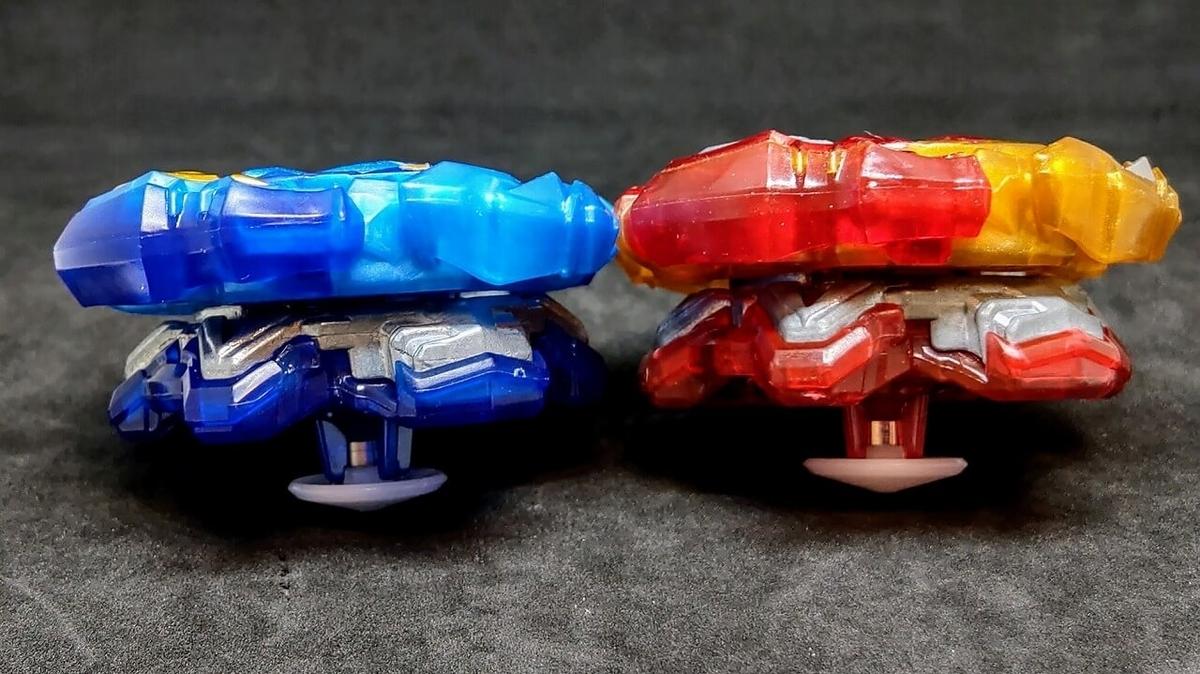 赤と青、2種類のロードスプリガン.Vn.Br 側面