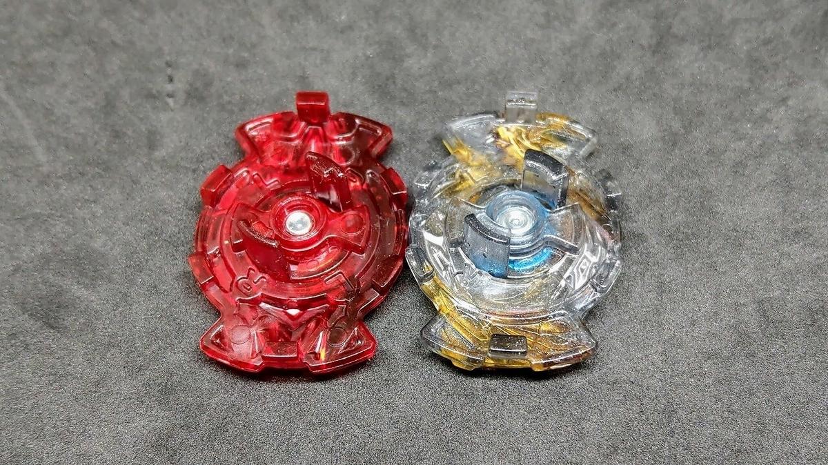 左:スプリガンチップ ロック形状・右:ディアボロスチップ ロック形状