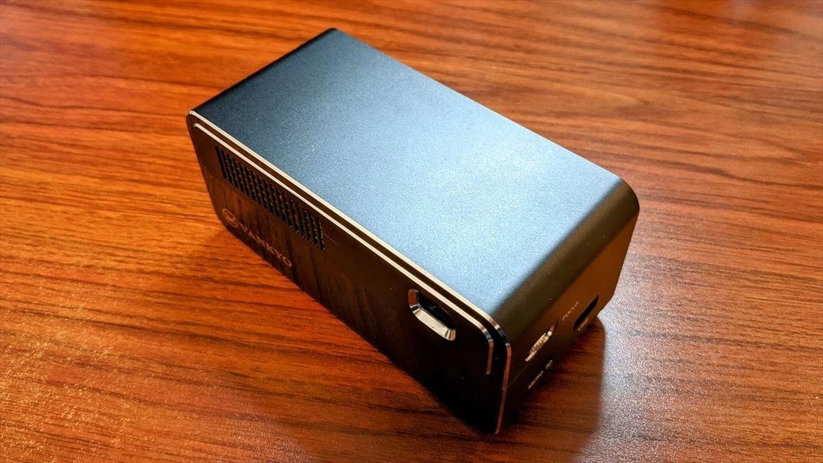 VANKYO GO300 ミニプロジェクター チープさの無いアルミ製の筐体