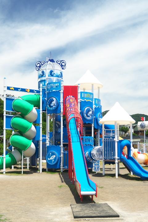 長浜海水浴場の複合遊具