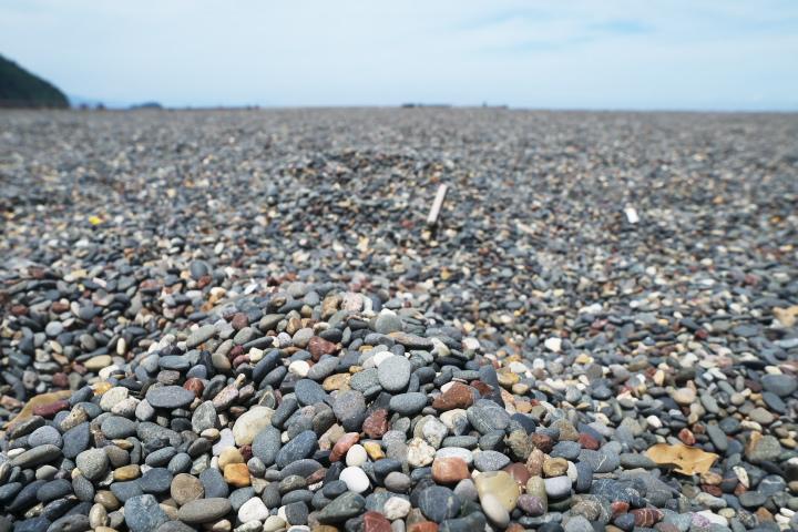 いるか浜公園の砂利