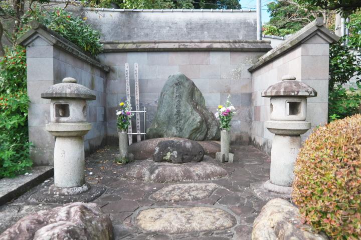堀内逍遙のお墓