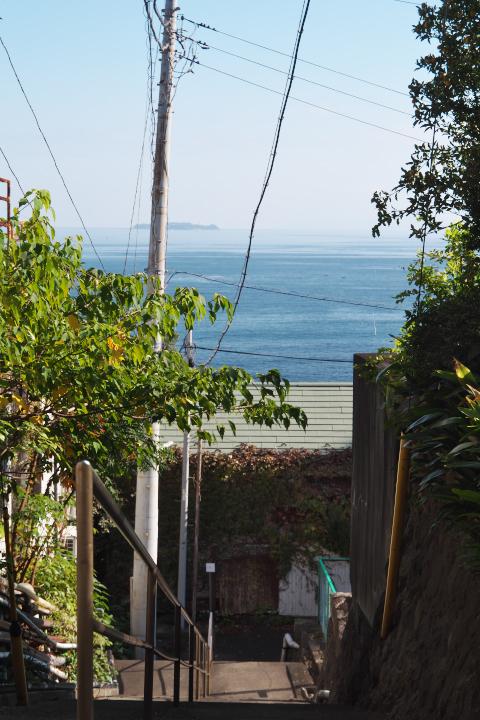 伊豆山参道 下宮跡付近の海方向