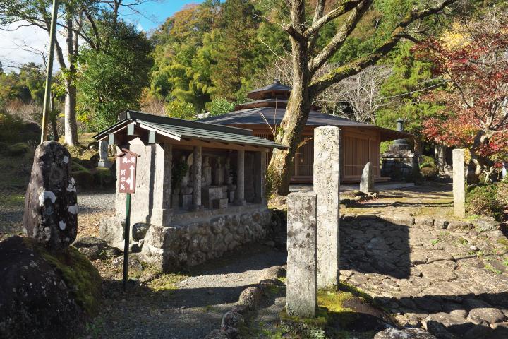 修禅寺奥の院入口付近