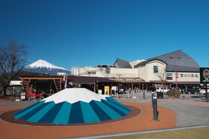 富士川楽座と富士山とミニ富士山