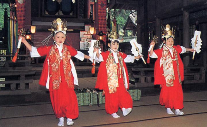 河口浅間神社 稚児の舞