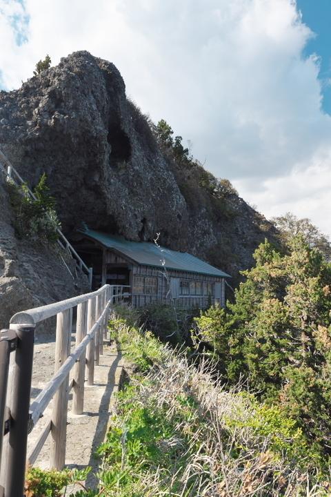 石廊崎 石室神社2