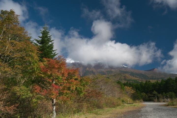 西臼塚駐車場からの富士山頂方向