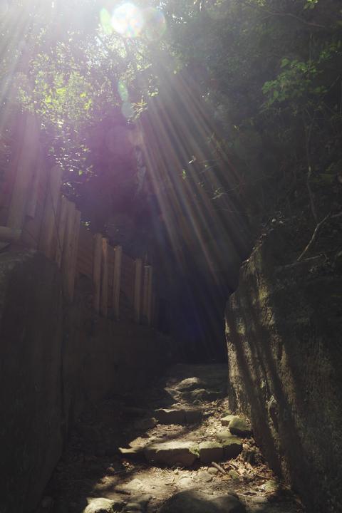 室岩洞入り口