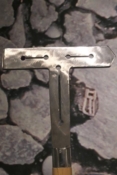 丁字形利器(レプリカ)