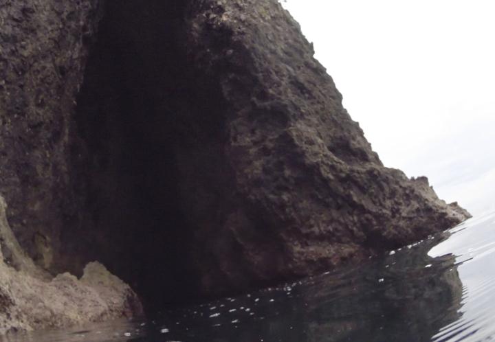 落居 洞窟