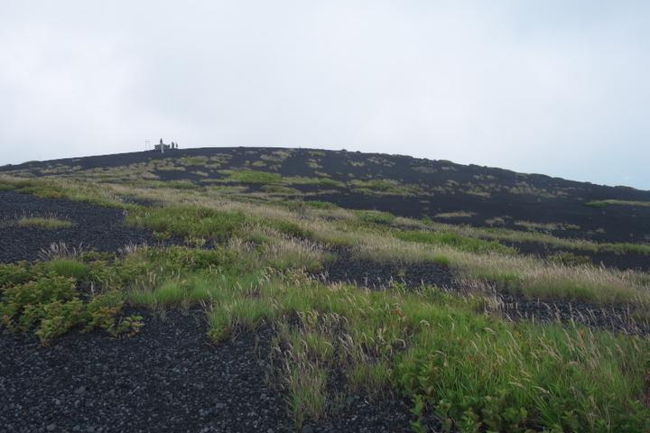 下塚山頂 カルデラの縁