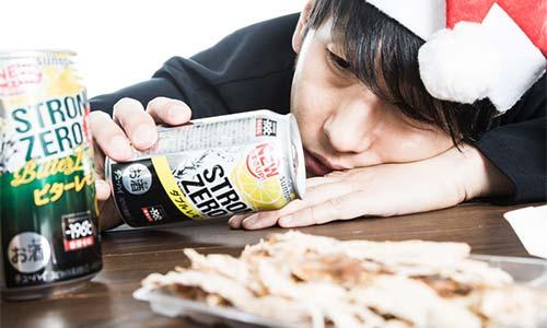 酔っ払っている男の画像