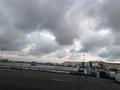 灰色の曇り空