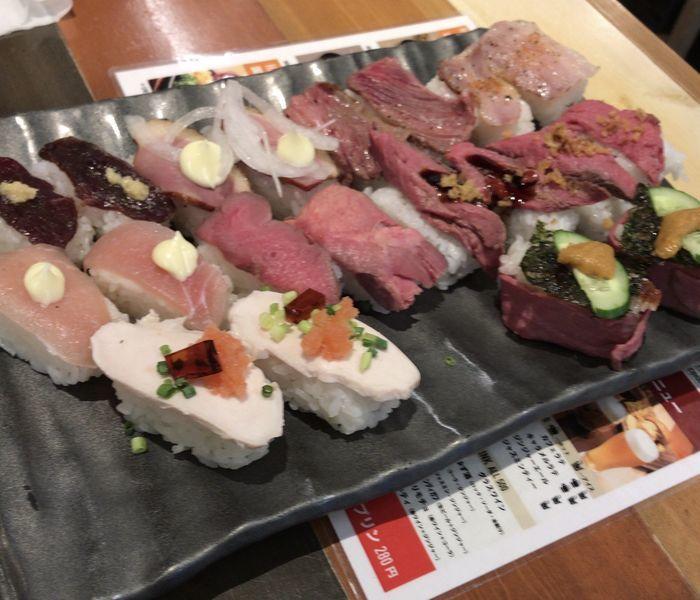 肉カフェロビコネで食べれる食べ放題の肉寿司