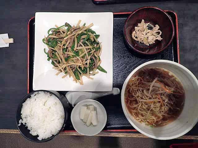 牛肉とピーマン炒め定食の画像