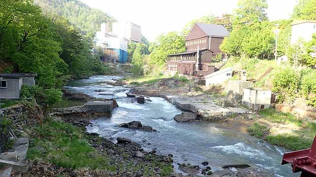 定山渓ビューホテルの裏に流れている川