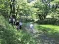 ワサビ田から流れ出て、数十メートル下流で犀川に合流