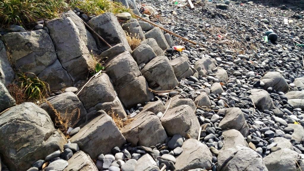 四角い岩2