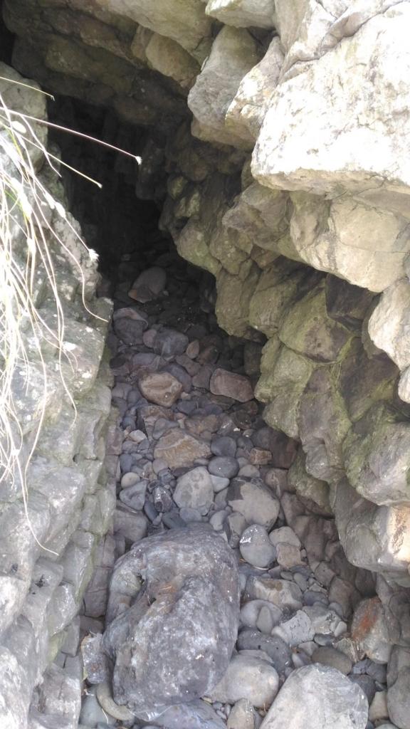 海蝕洞の中