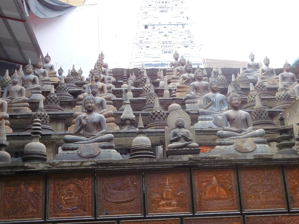 ガンガラーマ寺院の仏像2
