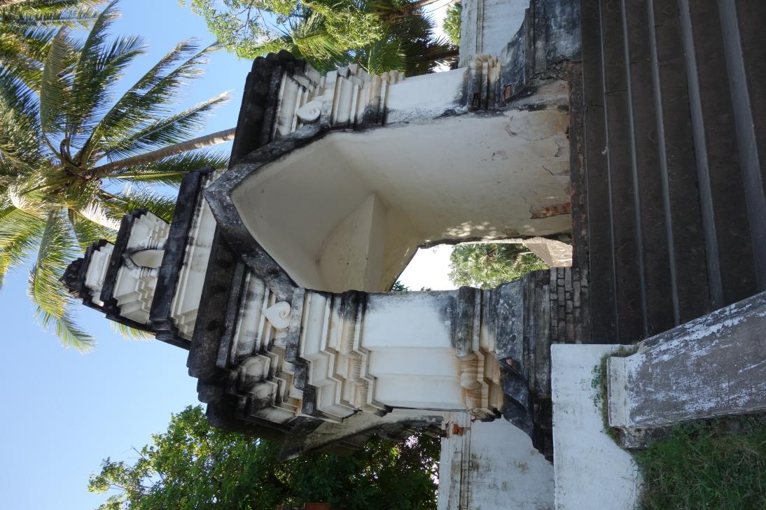 寺の入り口1