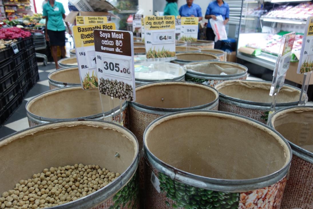 米や豆の量り売り