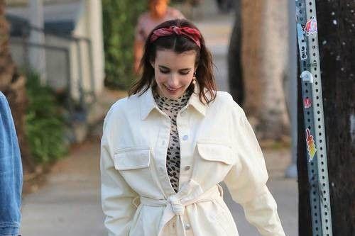 エマ・ロバーツ、H&Mを使った秋コーデ