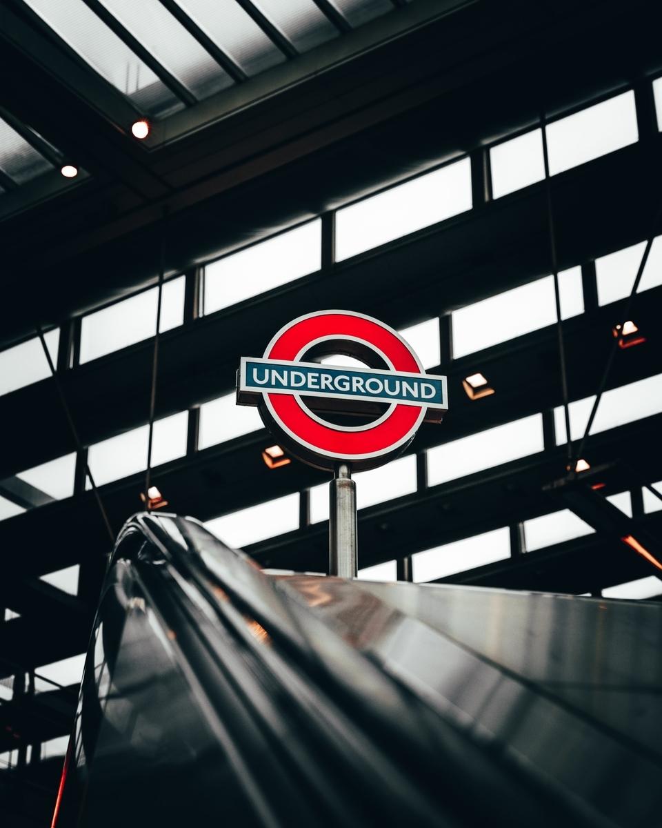 ロンドン電車旅行 tube underground