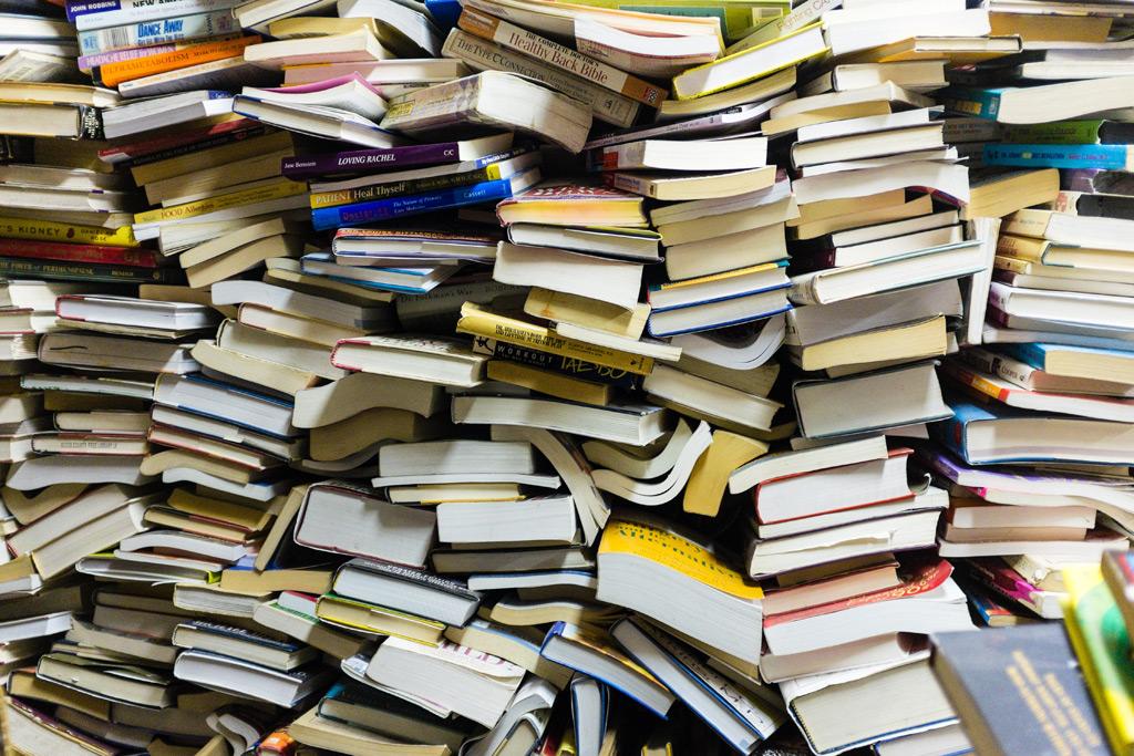 大量の本 すべての本を買う 読みたい本