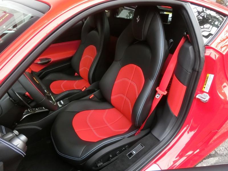 エーリストガレージ フェラーリ 488 GTB 内装