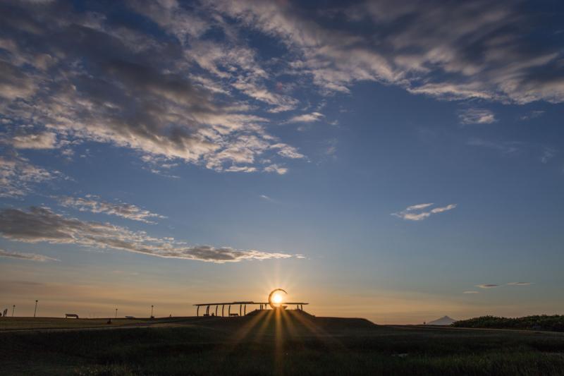 遠別町の風と夕日のモニュメント