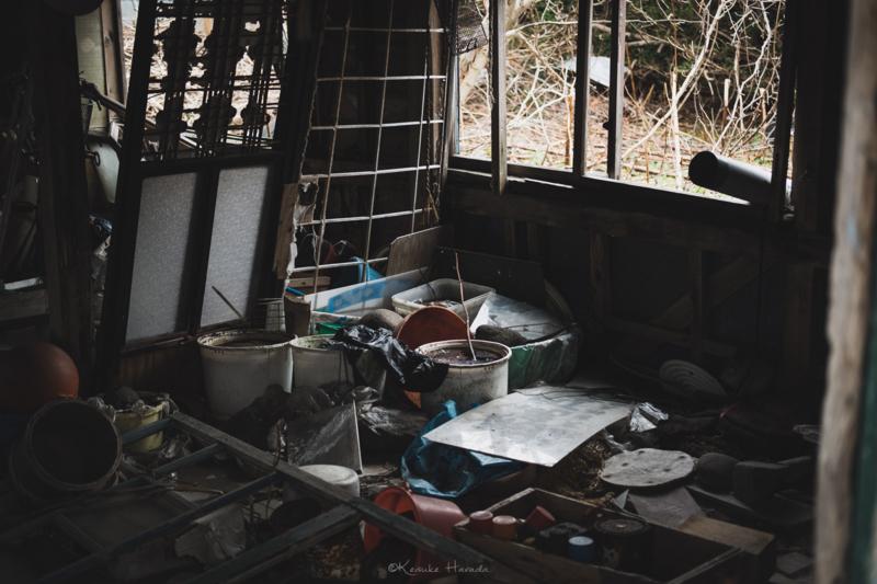 焼尻島の海沿いには廃屋がたくさん3
