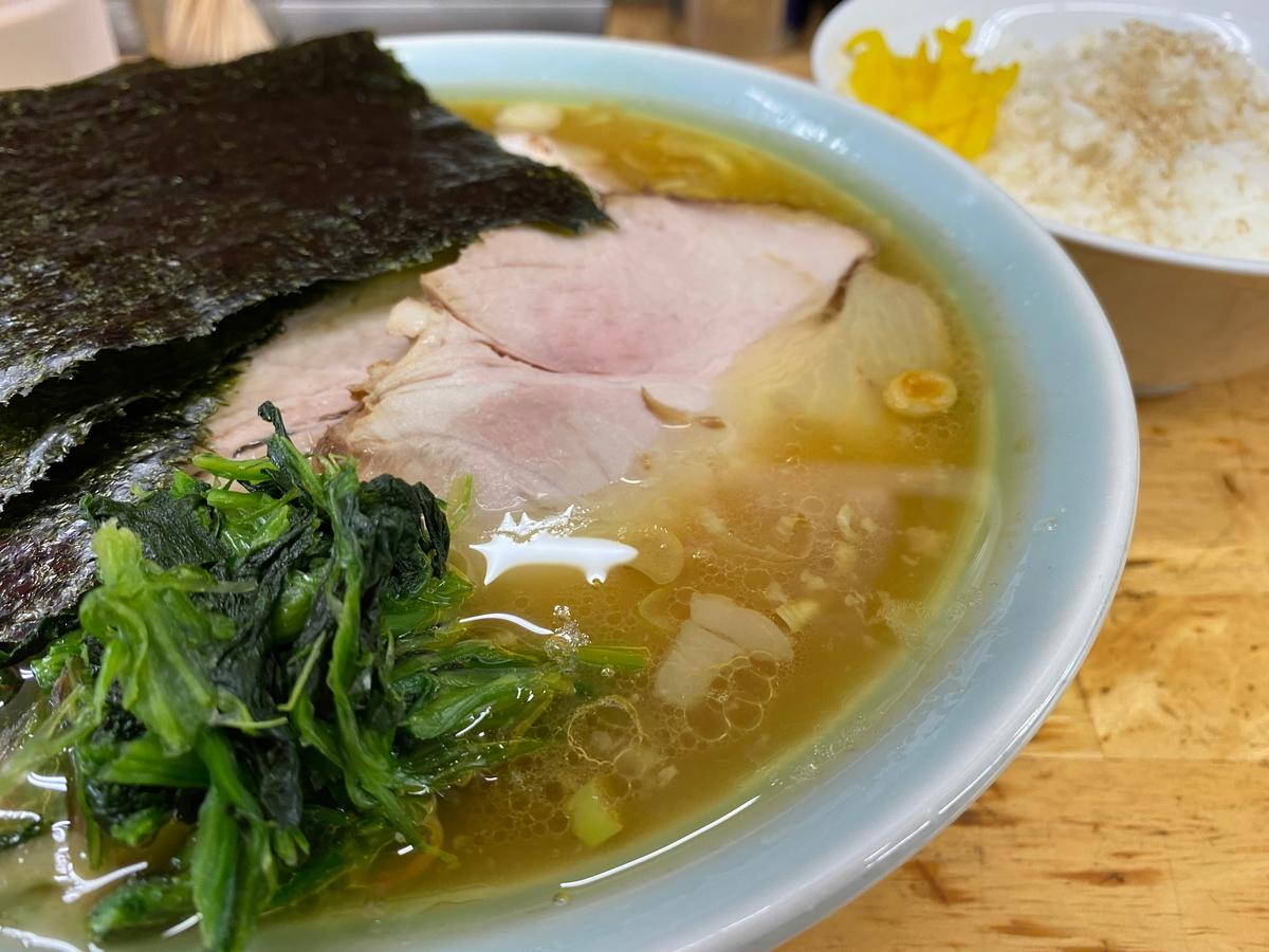 近藤家川崎店 チャーシューメン+半ライス