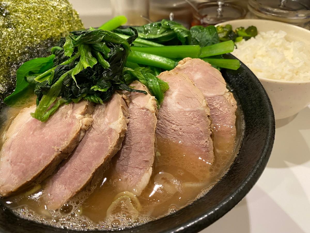 かわむら家 チャーシュー麺(並)+こまつな+ライス