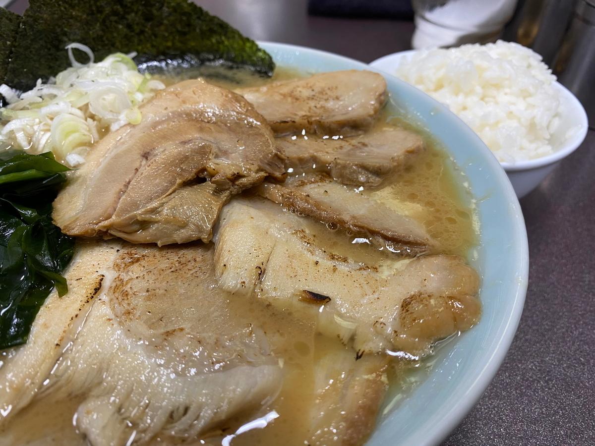 松平六浦店 ラーメン(醤油・太麺)+チャーシュー増し+小ライス