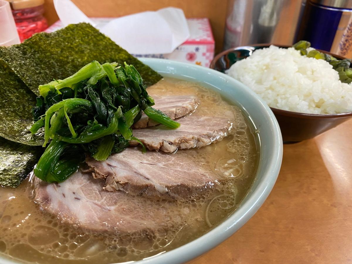 町田家新百合ヶ丘店 チャーシュー麺並盛+ライス