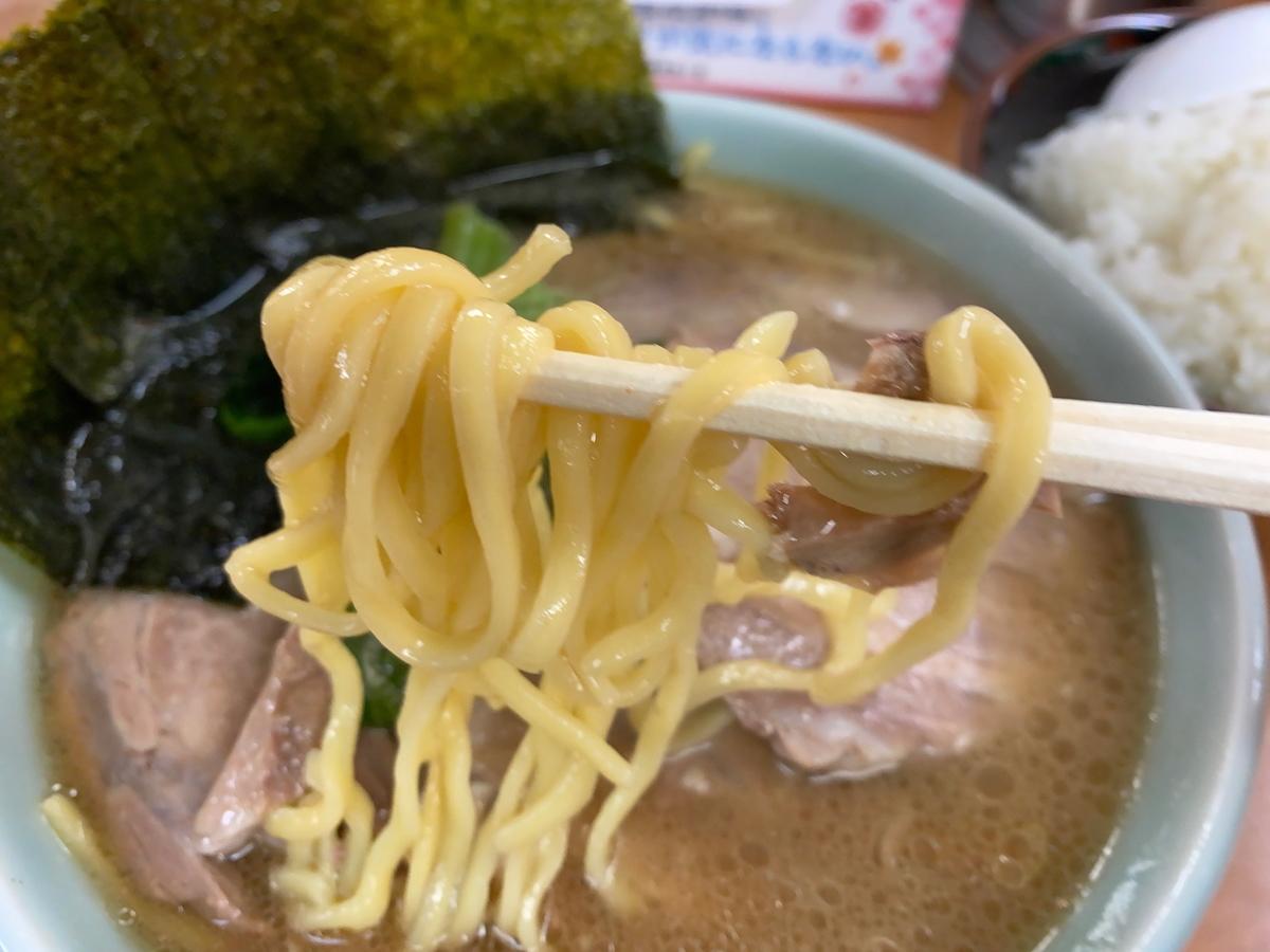 町田家新百合ヶ丘店 麺