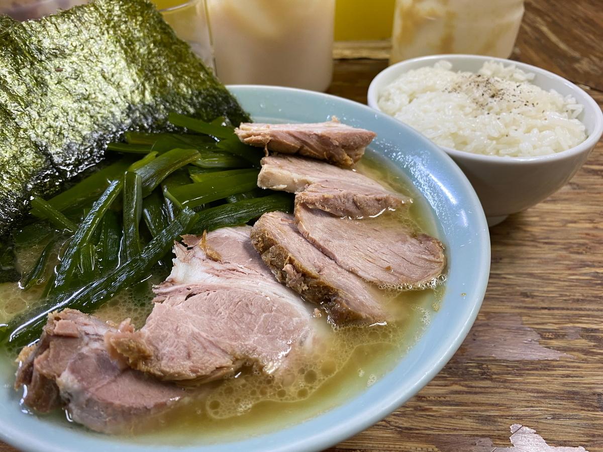 まこと家 チャーシューメン+くきわかめ+ライス