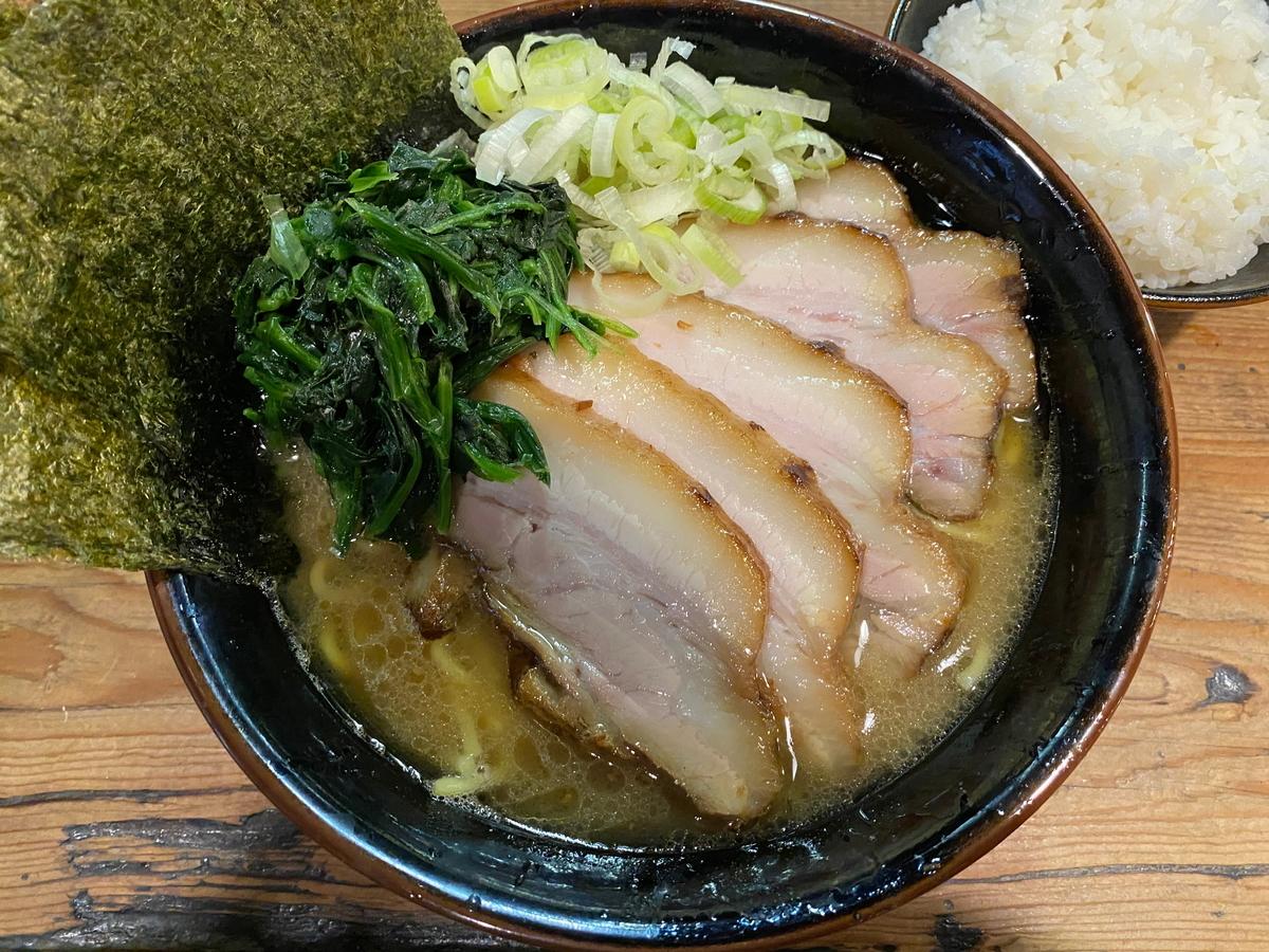 介一家成瀬店 チャーシュー麺