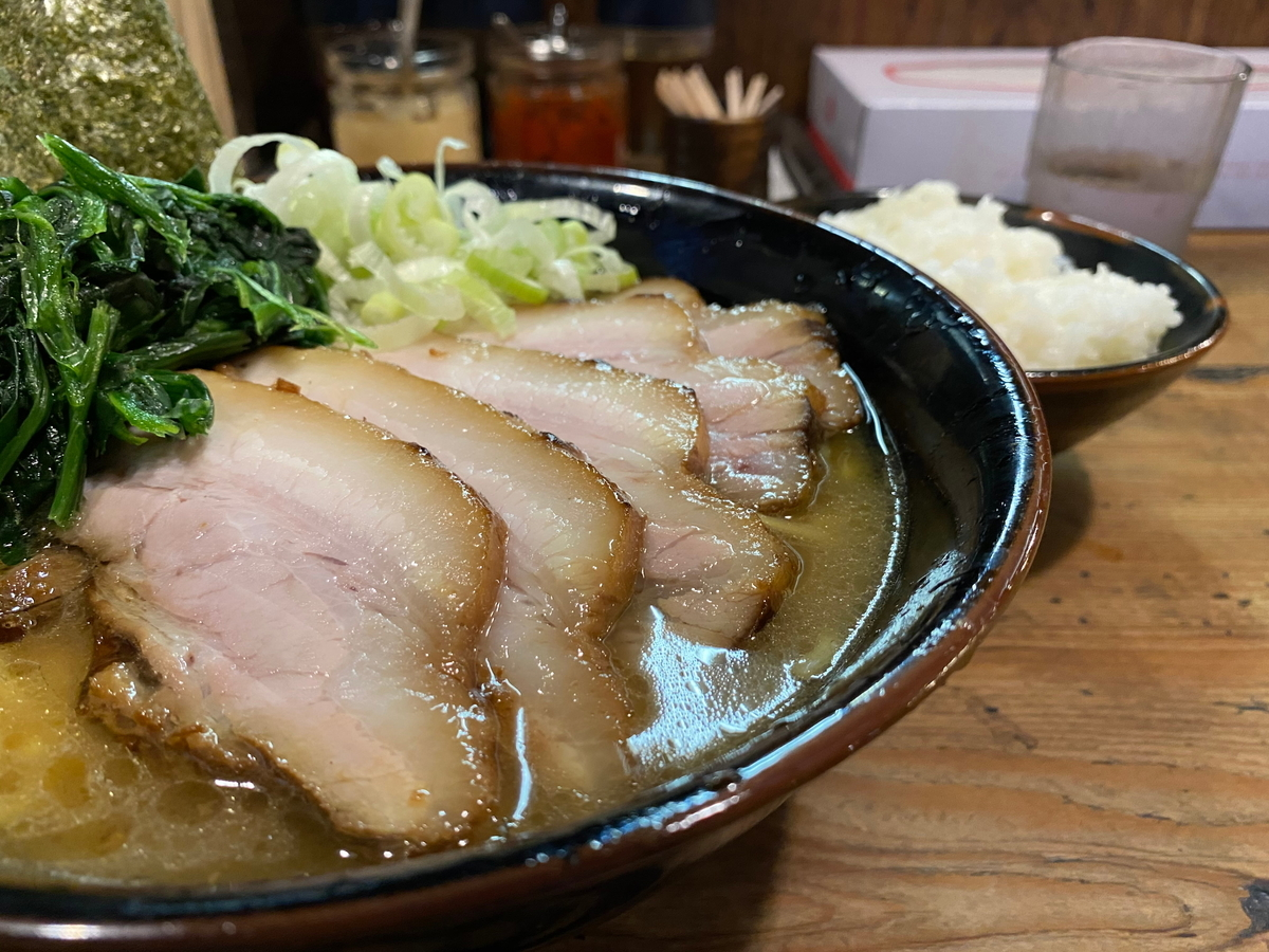 介一家成瀬店 チャーシュー麺+らいす