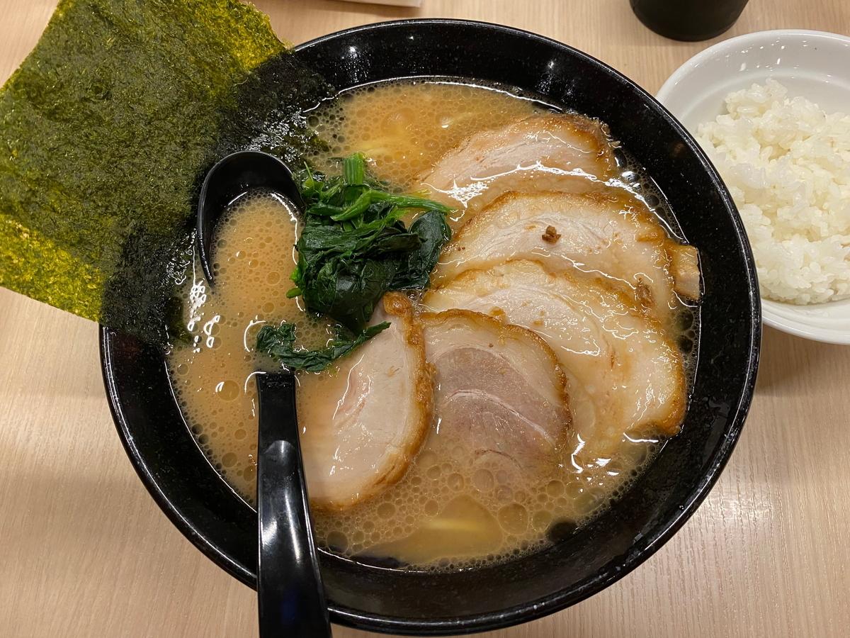 銀家大和店 チャーシュー麺
