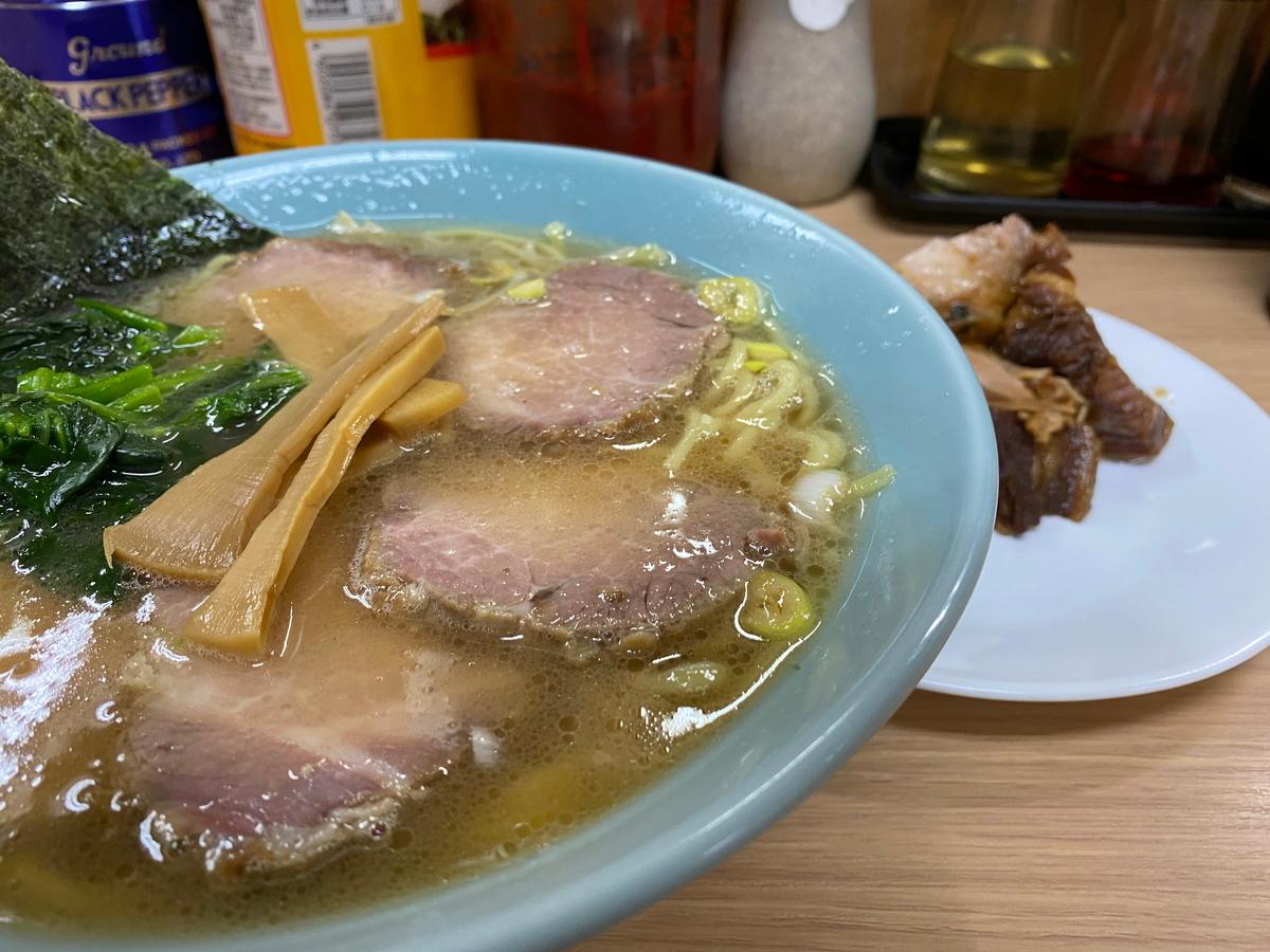 ラーメン三和 チャーシューメン並(900円)+角煮(300円)