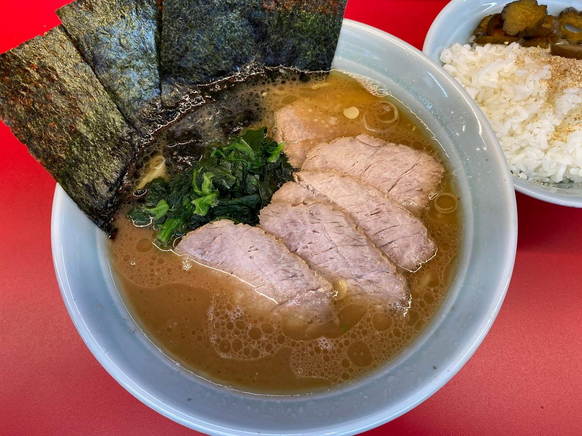 武蔵家東名川崎店 チャーシュー麺並