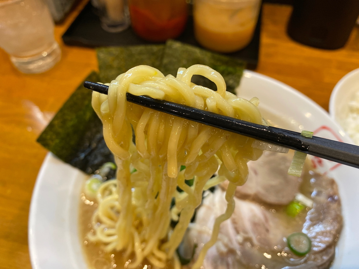 じれっ亭あざみ野店 緑製麺
