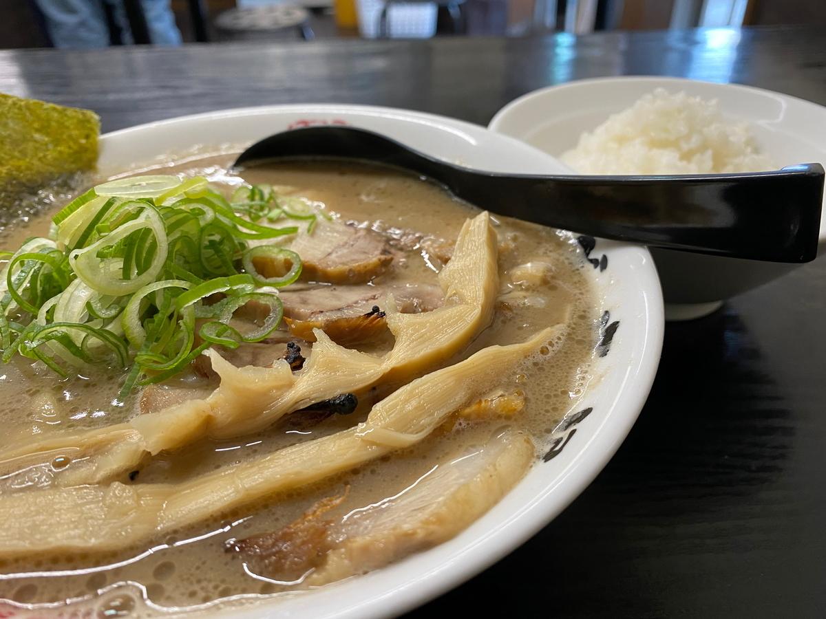 麺屋庄太津久井浜店 らぁ麺(並)(840円)+チャーシュー(250円)+半ライス(150円)