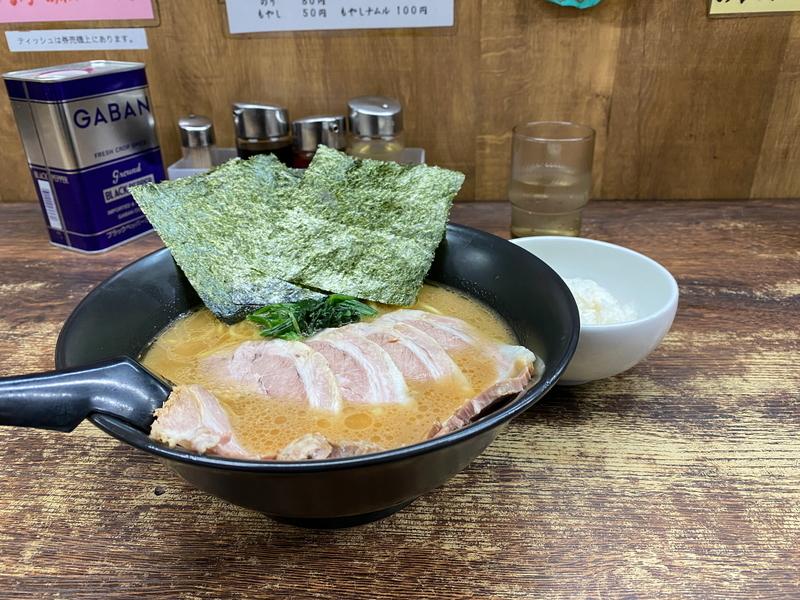 吟太 チャーシューメン並盛(790円)+ライス(無料)