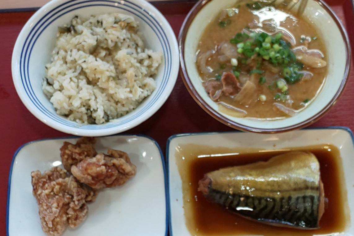 花畑食堂 鶏唐揚 鯖の煮付け 豚汁 iggy2019
