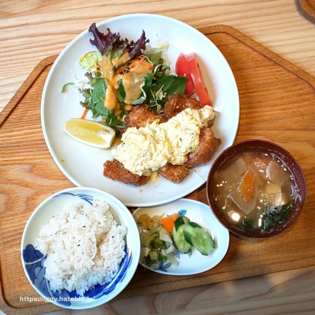 キッチンよい一日 ランチ メニュー 値段 地鶏チキン南蛮定食 感想 レビュー