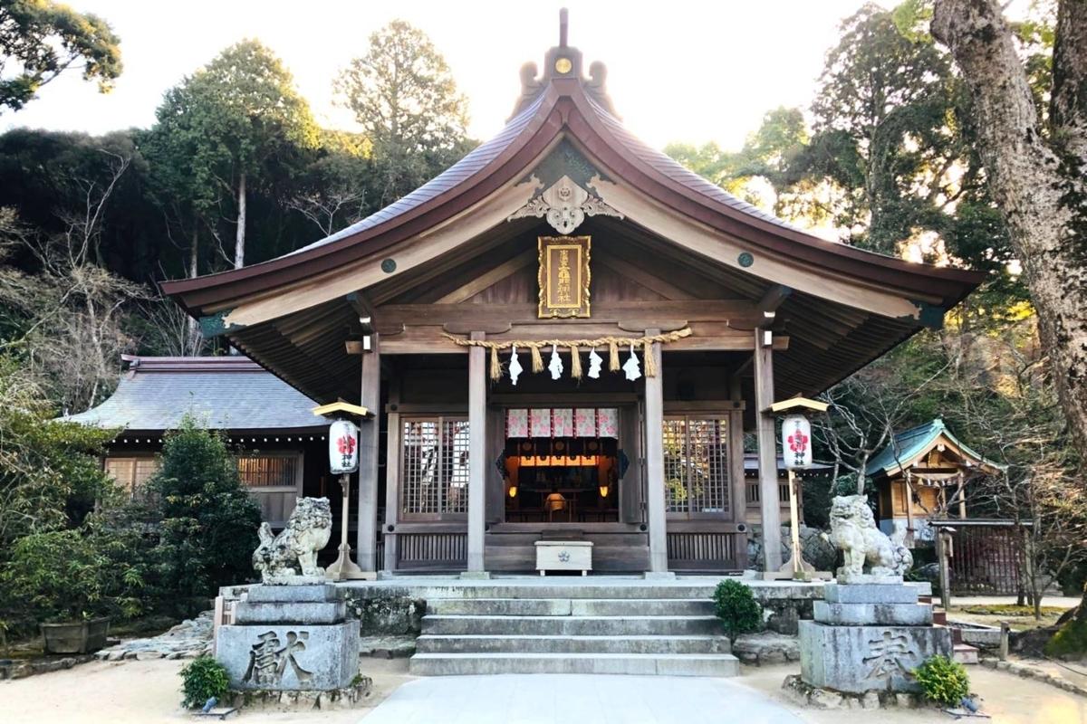 竈門神社拝殿